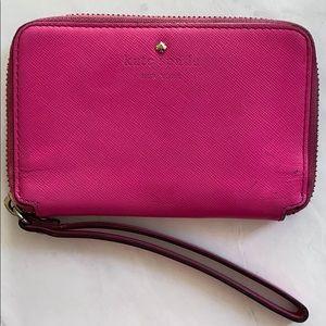 🎉 Kate Spade Pink Wristlet
